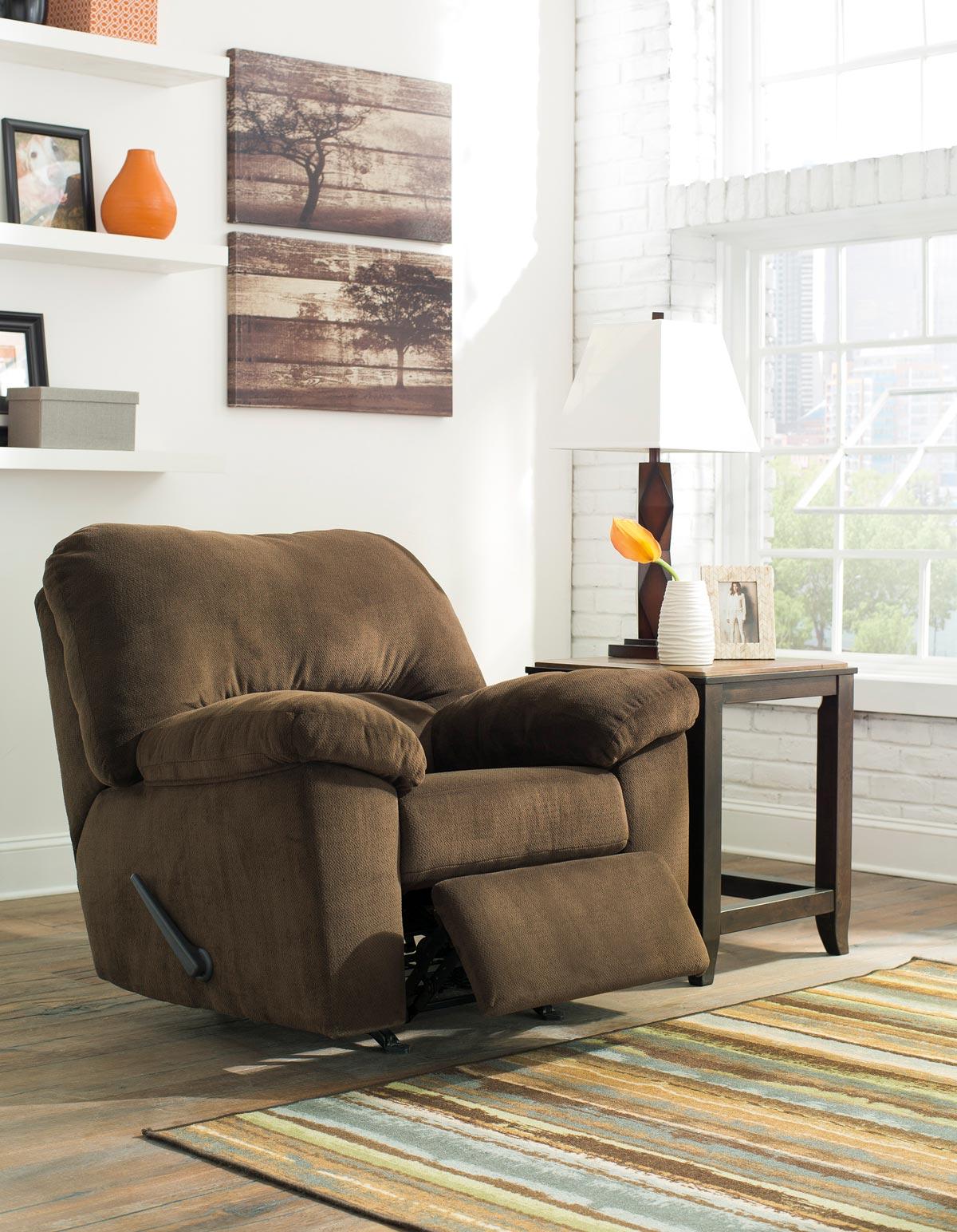 Dailey 3 Piece Living Room Set