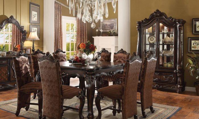 Versailles Counter Height Table 7 Piece Dining Room Set