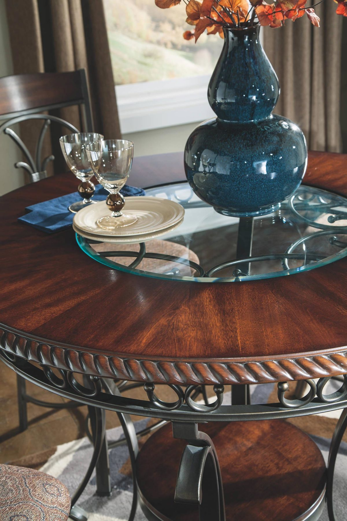 Glambrey 5 Piece Dining Room Set Gonzalez Furniture