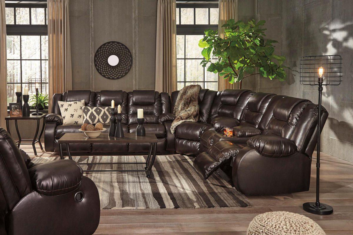 Vacherie Sectional Living Room Set | Gonzalez Furniture